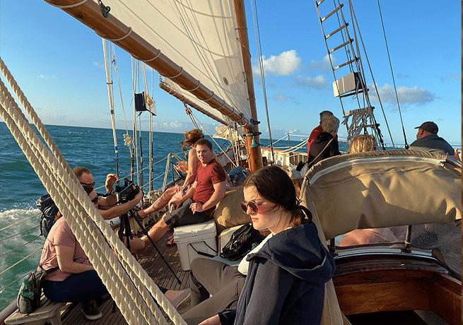 team building saiboat
